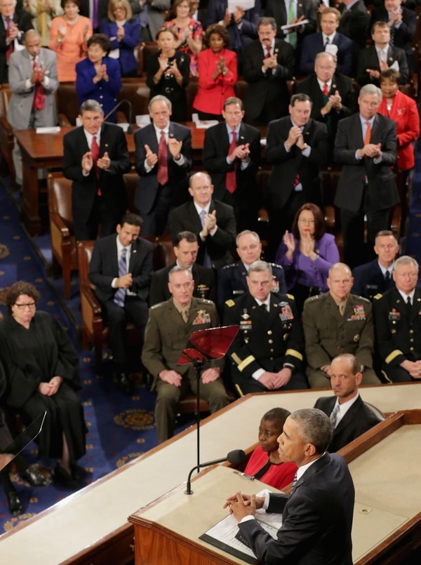 WASHINGTON, DC - JANUARY 12: US President Barack Obama acknowledges members of Congress after delivering his State of the Union speech in the House chamber of the U.S. Capitol January 12, 2016 in Washington, DC. In his last State of the Union, President Obama reflected on the past seven years in office and spoke on topics including climate change, gun control, immigration and income inequality. (Photo by Chip Somodevilla/Getty Images)