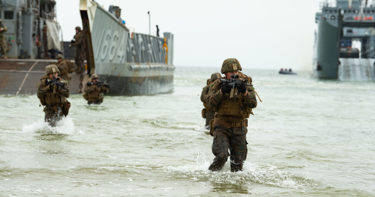 www.marinecorpstimes.com