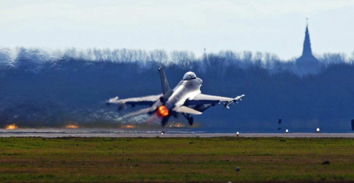 Dutch F-16 makes emergency landing after plane shoots itself