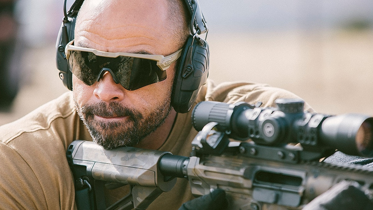 b43af539e7 This is how Oakley eyewear became so popular with tactical pros