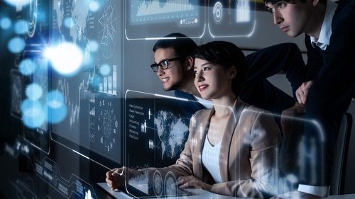 Optimizing the experience so that employees can work without friction is imperative to federal agencies striving to achieve greater efficiency. (metamorworks/Getty Images)