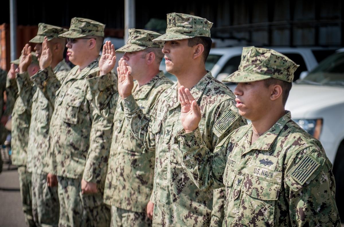 Navy cuts 20 re-up bonus levels