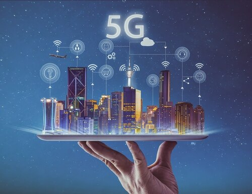 The Trump administration must deliver a report to Congress on its plan to address several 5G challenges. (jamesteohart/Getty Images)