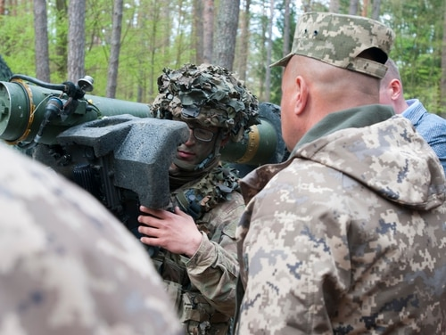 A delegation of senior Ukrainian military officials observes a U.S. Army unit currently conducting training at the combat training center at Hohenfels Training Area, Germany on May 9, 2017. A soldier demonstrates how to use the Javelin anti-tank missile system. (Army)