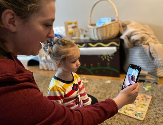 Military spouses like Danielle Frank use video conferencing technology to stay in contact with family during COVID-19 crisis. (Staff Sgt. Alexander Frank, 142nd Fighter Wing Public Affairs)