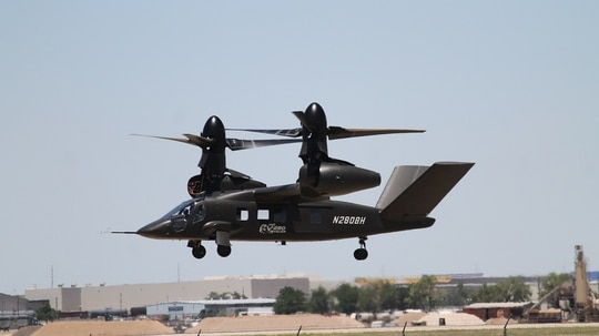 The V-280 Valor comes in for a roll-on landing during its first public flight demonstration at Bell's Amarillo, Texas, production facility on June 18. (Jen Judson/Defense News staff)