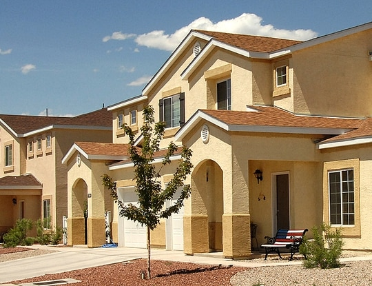 DoD is still hammering out agreements with privatized housing companies about military tenants' bill of rights. Shown here is privatized housing at Kirtland Air Force Base. (Todd Berenger/Air Force)