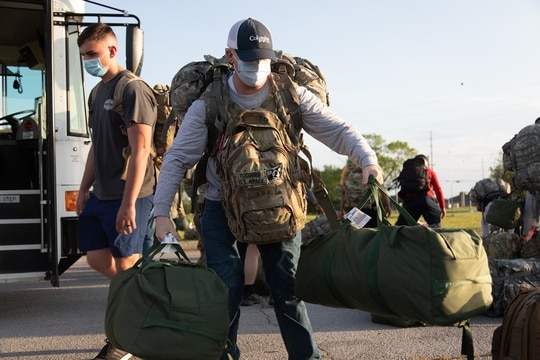 Soldiers with 501st Medical Company Area Support return to Fort Campbell, Ky., on May 23, 2020, to begin their quarantine following their medical efforts in response to COVID-19. (Sgt. Grant Ligon/Army)