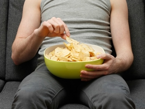 A survey evaluating veterans' eating habits show many are choosing snacks over fruits and vegetables. (Getty Images)