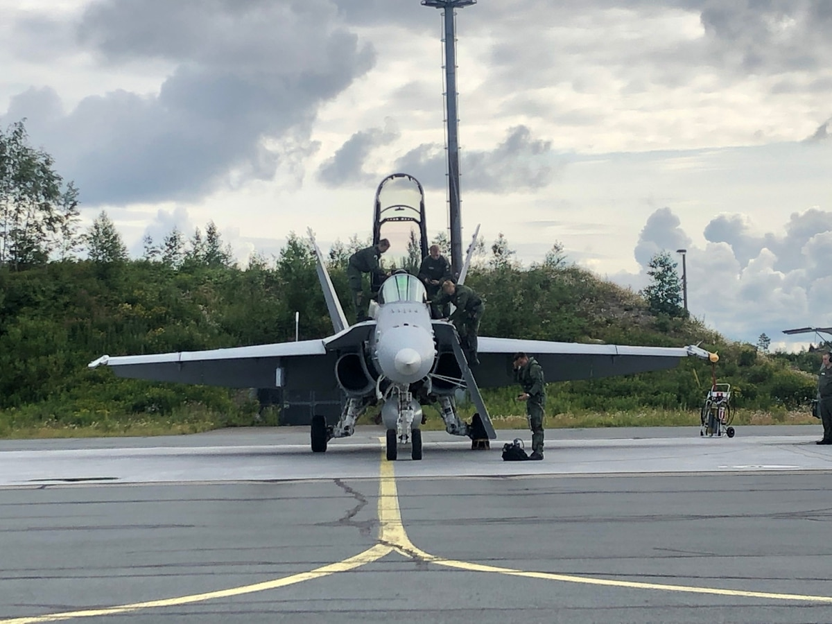 The US Air Force's top general gets a taste of Finnish