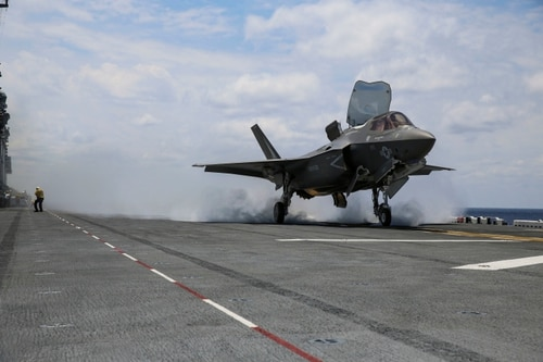 An F-35B Lightning II takes off on the flight deck of U.S. Navy amphibious assault ship Wasp during routine daylight operations, a part of Operational Testing 1. (Cpl. Anne K. Henry/U.S. Marine Corps)