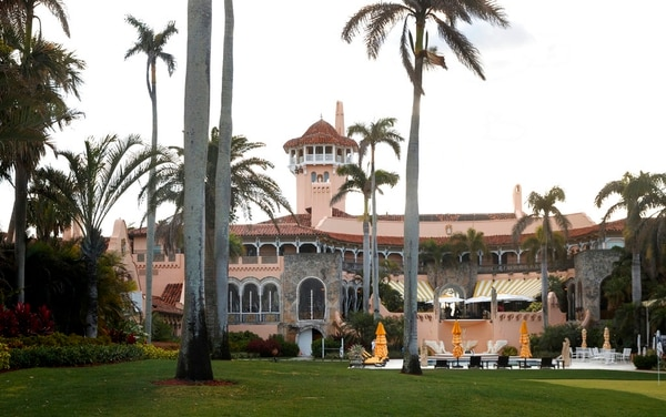 President Donald Trump's Mar-a-Lago estate is seen from the media van in the presidential motorcade in Palm Beach, Fla., Saturday, March 24, 2018, en route to Trump International Golf Club in West Palm Beach, Fla. (Carolyn Kaster/AP)