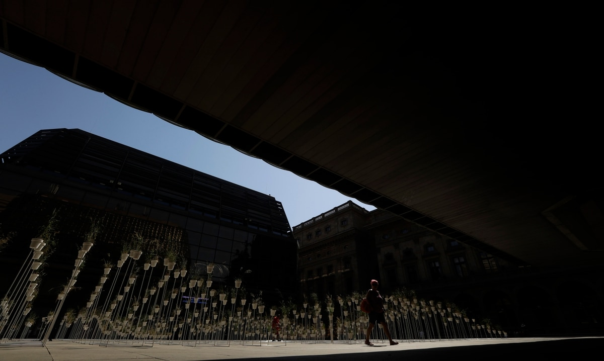 Czech Central Bank Hikes Rates For First Time In 9 Years