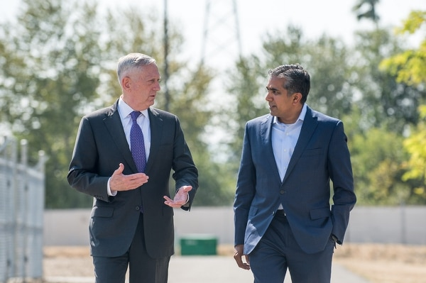 Defense Secretary Jim Mattis, left, speaks with Raj Shah while he was the head of DIUx. (Staff Sgt. Jette Carr/U.S. Defense Department)