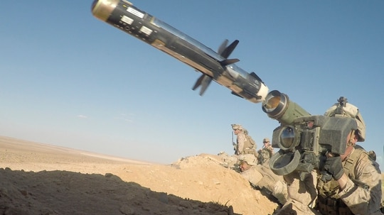 A U.S. Marine fires an FGM-148 Javelin, a shoulder-fired anti-tank missile near At Tanf Garrison, Syria, Sept. 7, 2018. (Cpl. Carlos Lopez/Marine Corps)