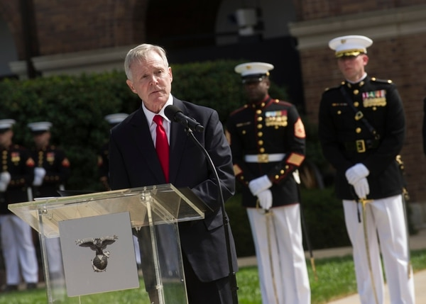 150924-N-AC887-005 WASHINGTON (Sept. 24, 2015) Secretary of the Navy (SECNAV) Ray Mabus delivers remarks during a change of command ceremony at Marine Corps Barracks Washington. Gen. Robert B. Neller assumed the duties and responsibilities as the 37th commandant of the Marine Corps from Gen. Joseph Dunford. (U.S. Navy photo by Chief Mass Communication Specialist Sam Shavers/Released))