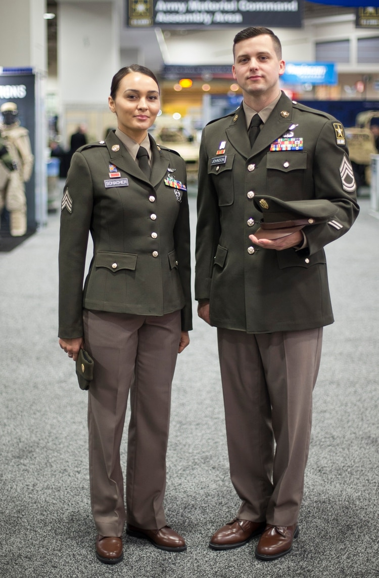 """Oct 09, · """"Pinks and greens"""" were an officers' uniform in WWII. They were made from wool gabardine. Like most such outfits, there was a problem making top and bottom look the same color unless they came from the same fabric/dye lot–which was not practical unless a ."""