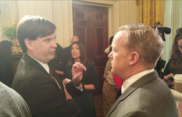 Leo Shane and former White House Press Secretary Sean Spicer talk about veterans issues at a Wounded Warrior Project event in April 2017. (Tom Porter/IAVA)