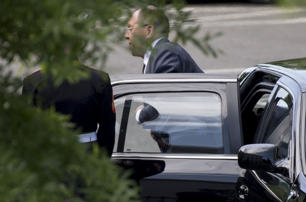 Russian Foreign Minister Sergei Lavrov arrives for a meeting with US President Donald Trump at the White House in Washington, DC, on May 10, 2017. / AFP PHOTO / SAUL LOEB (Photo credit should read SAUL LOEB/AFP/Getty Images)