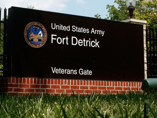 FREDERICK, MD - AUGUST 01: A sign at the Veterans Gate at Fort Detrick Army Medical Research Institute of Infectious Diseases is shown August 1, 2008 in Frederick, Maryland. Earlier this week Fort Detrick employee Bruce Ivins, a former researcher at the Army Medical Research Institute of Infectious Diseases, committed suicide after learning investigators were going to charge him with the 2001 anthrax attack. (Photo by Mark Wilson/Getty Images)