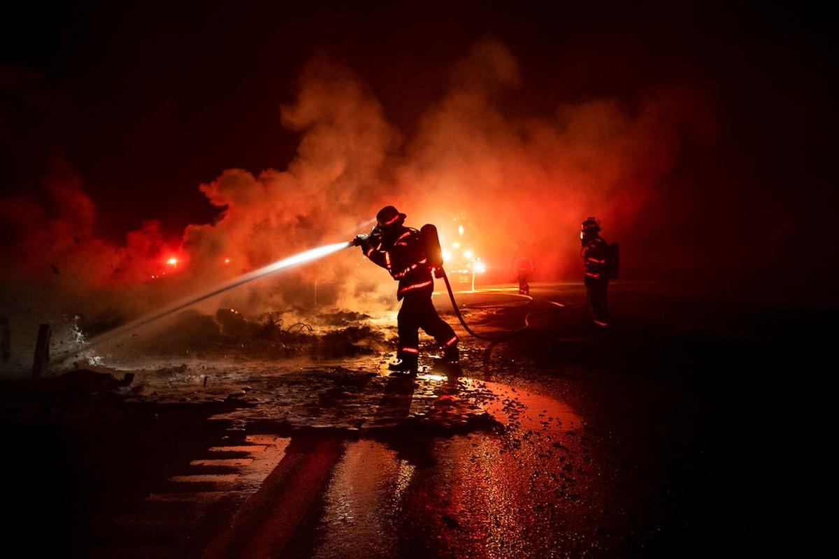 Rampant wildfire closes military base