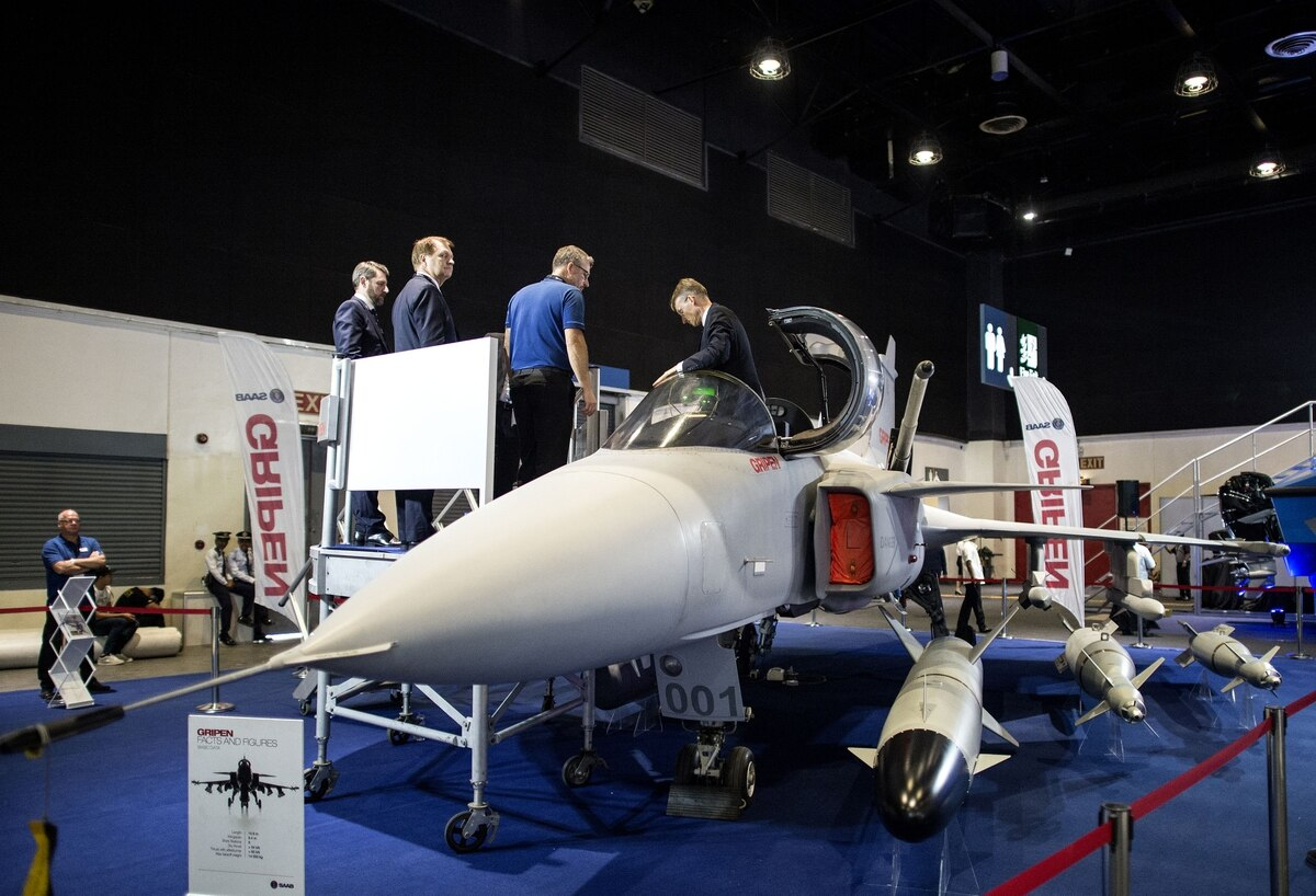 Industry bids are in for Finland's $13 billion fighter race