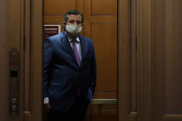 WASHINGTON, DC - MAY 07: U.S. Sen. Ted Cruz, R-Texas, takes an elevator as he leaves after a vote at the U.S. Capitol May 7, 2020 in Washington, DC. (Photo by Alex Wong/Getty Images)