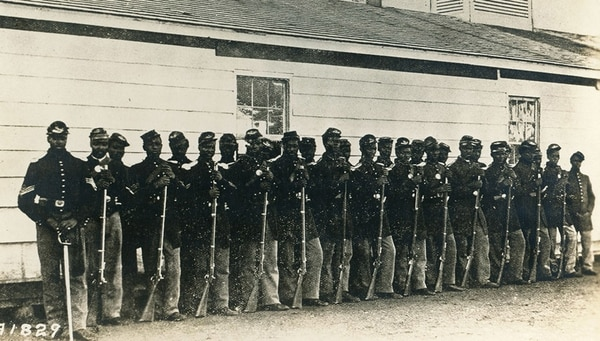 Members of the U.S. Colored Infantry line up at Fort Lincoln, Washington, D.C. (National Archives)