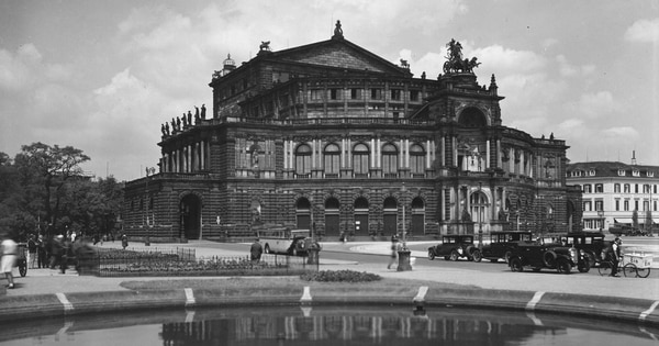 The State Opera House at Dresden, Germany, around 1930. (Fox Photos/Getty Images)
