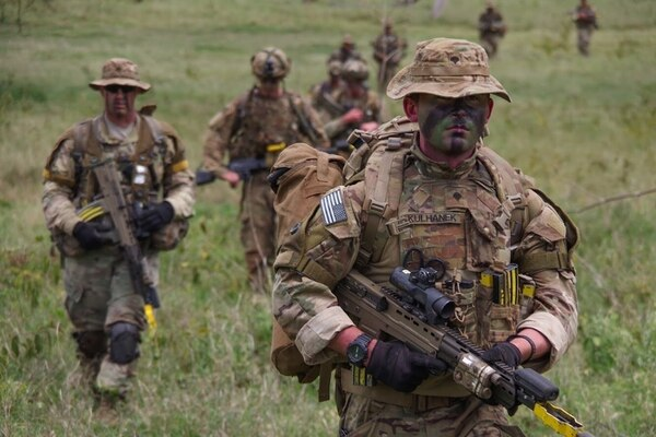 American and British paratroopers conduct a training patrol Nov. 28, 2018, in Kenya. (Spc. John Lytle/U.S. Army)