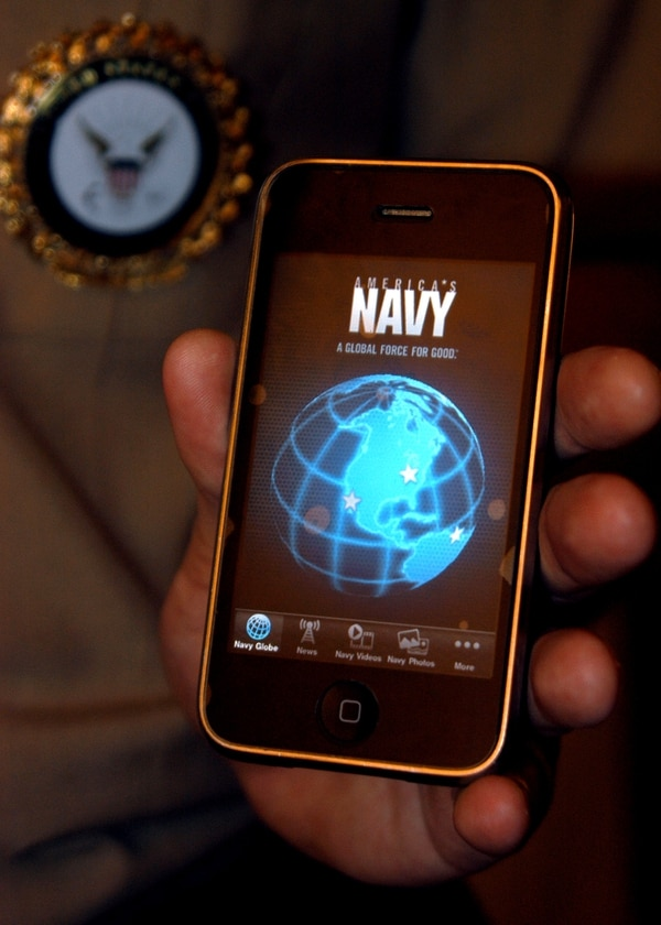 The CSL is essentially the iOS of an iPhone, in that the Navy can use CSL to program applications that run sensors and weapons systems. (Petty Officer 2nd Class Michael Bryan Lavender/U.S. Navy)
