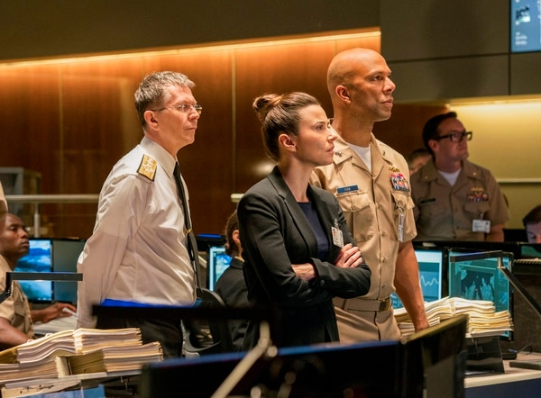 This image released by Lionsgate shows Gary Oldman, from left, Linda Cardellini and Common in a scene from