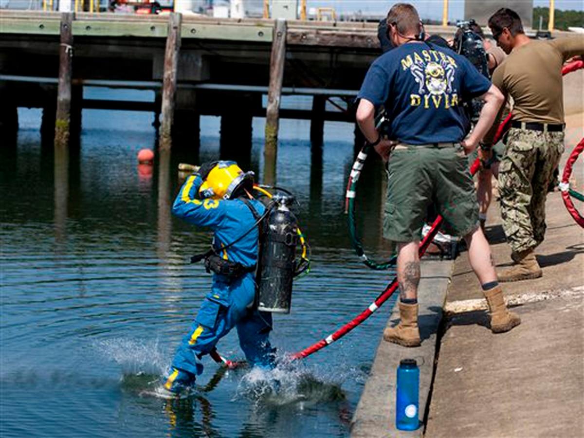 Navy dive team to help salvage sunken Confederate warship