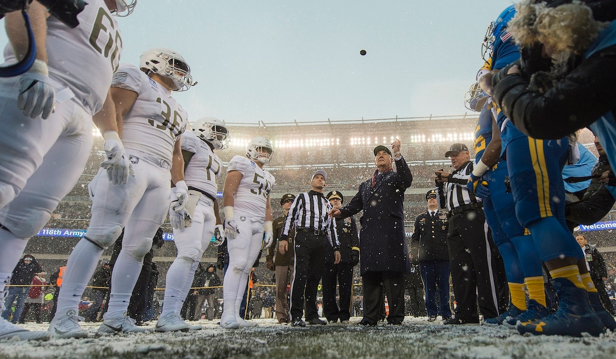 The Army Navy Rivalry Why It S One Of A Kind