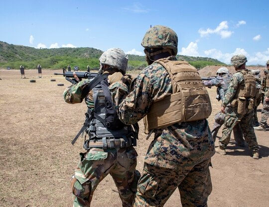 Special Purpose Marine Air-Ground Task Force – Southern Command oversees live-fire training by students of the Dominican Republic Naval Infantry Advanced Course. (Sgt. Booker T. Thomas III/Marine Corps)