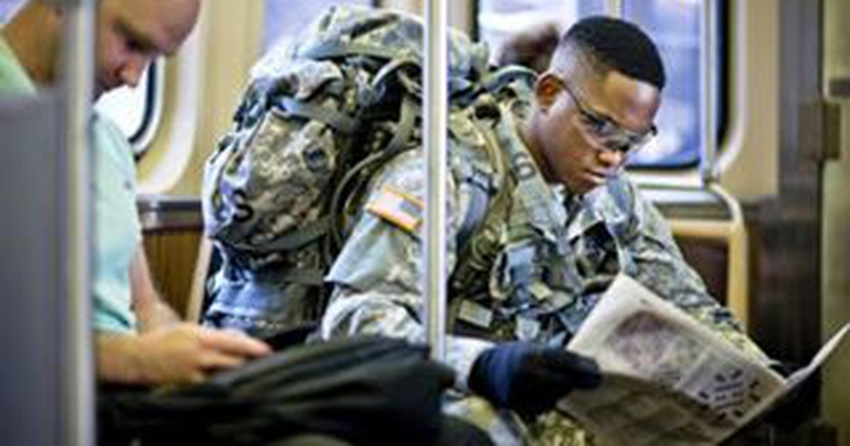 Soldiers OK'd to wear ACUs on commercial flights