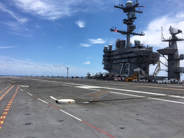 Arresting gear on the USS George Washington (CVN-73) on June 27