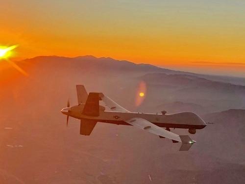 MQ-9 Reaper zboară în apropierea Munților Smoky San Gabriel din sudul Californiei în august 2020. Forțele aeriene au instalat secerătorii și aproximativ 90 de piloți la o bază din România pentru a efectua misiuni ISR și alte misiuni (forțelor aeriene)