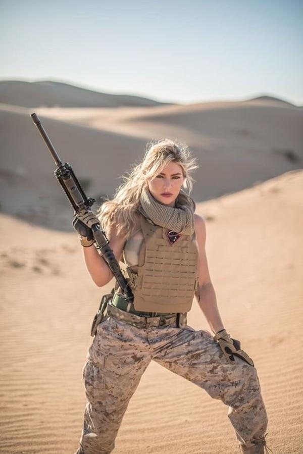 Shannon Ihrke in her new desert photo shoot. (Photos Supplied by Ihrke)
