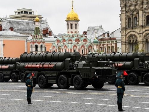 Russian S-400 Triumph medium-range and long-range surface-to-air missile systems ride through Red Square during the Victory Day military parade in Moscow on May 9, 2017. (Kirill Kudryavtsev/AFP via Getty Images)