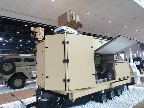 This counter-drone system will undergo testing after IDEX concludes for potential procurement by the United Arab Emirates. (Agnes Helou/Staff)