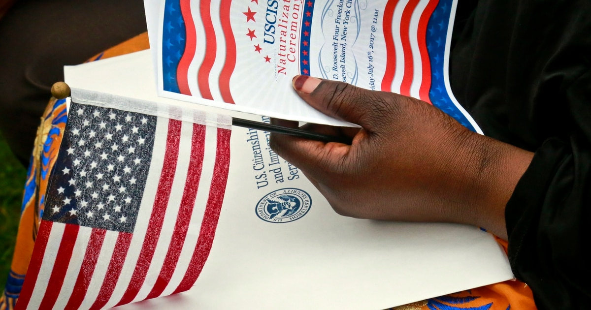 This proposed law would help deported veterans finish the citizenship process