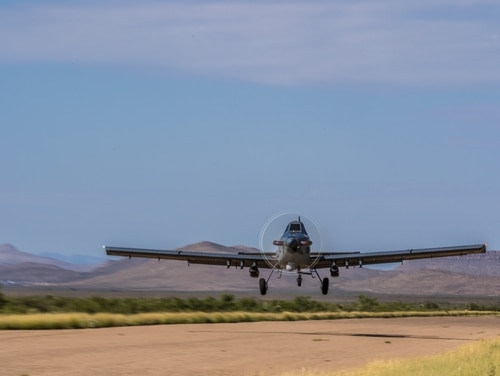 The AT-802L Longsword, built by Air Tractor and L3, takes off. (Air Tractor)