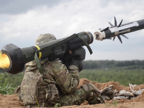 Ukrainian forces showcased the FGM-148 Javelin missile Tuesday for the first time since the weapon was sold from the United States. Here, a U.S. Army soldier fires a Javelin during a live-fire training exercise near Tapa, Estonia, in June 2016. (U.S. Defense Department)