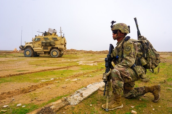 A U.S. Army trooper assigned to Task Force Thunder, 3rd Cavalry Regiment, provides security during a routine patrol, Iraq, Dec. 2, 2018. (Army/DVIDS)