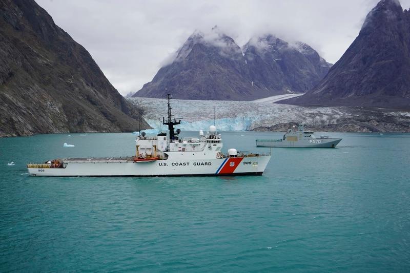 Campbell alongside the Royal Danish Navy vessel. (Seaman Kate Kilroy/U.S. Coast Guard)