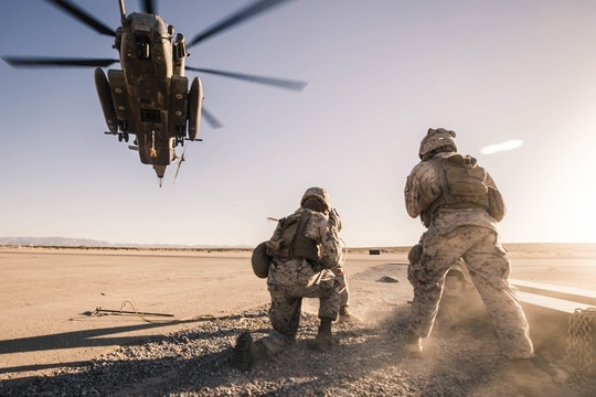 Marines conduct helicopter support team training during Integrated Training Exercise (ITX) 1-21 at Marine Air Ground Combat Center Twentynine Palms, Calif., Oct. 13, 2020. (Lance Cpl. Zachary Zephir/Marine Corps)