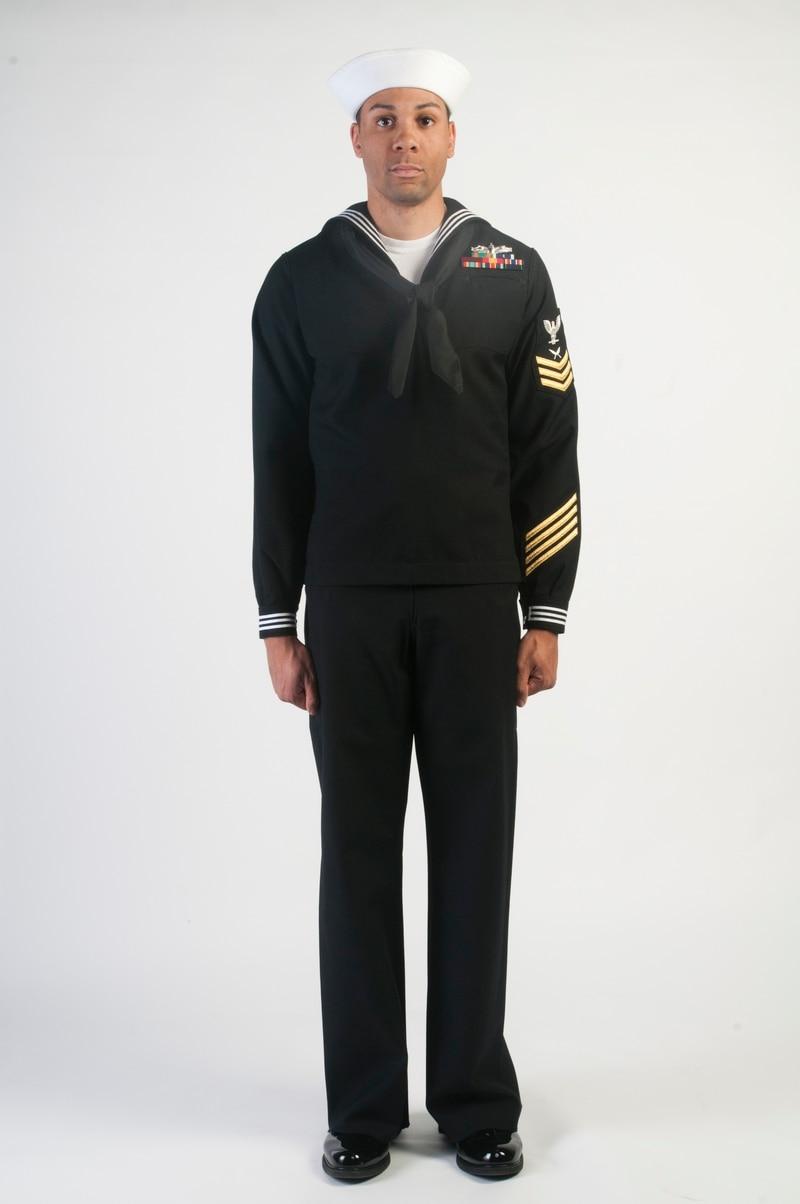 Sailors split over switching to a single dress uniform