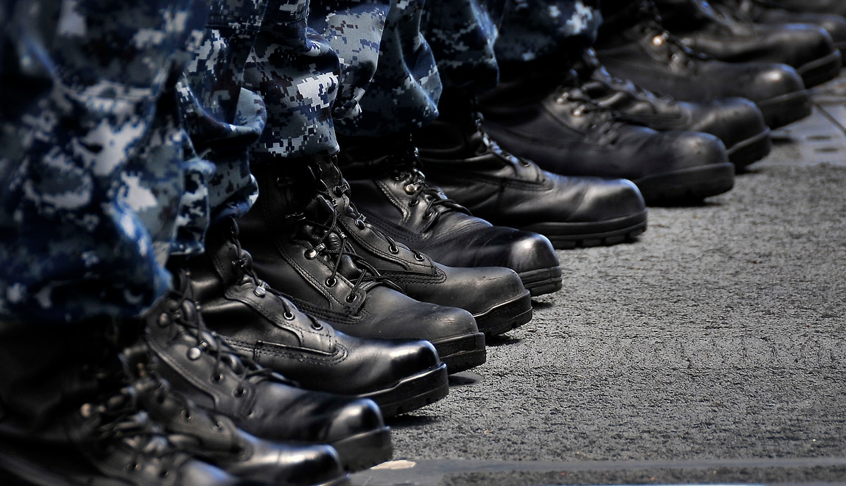 d6caf1ee4be7 Are the Navy s safety boots unsafe