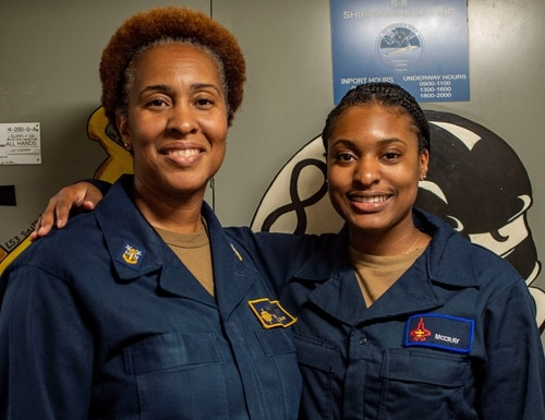 https://www.navytimes.com/news/your-navy/2021/07/22/how-this-mother-daughter-got-to-serve-aboard-the-ford-together/